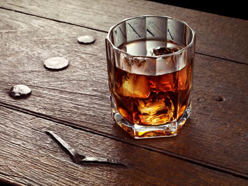 У Нововолинську спіймали викрадача елітного алкоголю