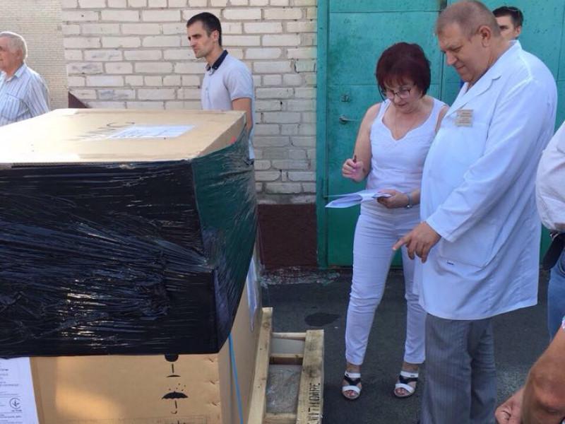 У Луцьку міську клінічну лікарню привезли обладнання