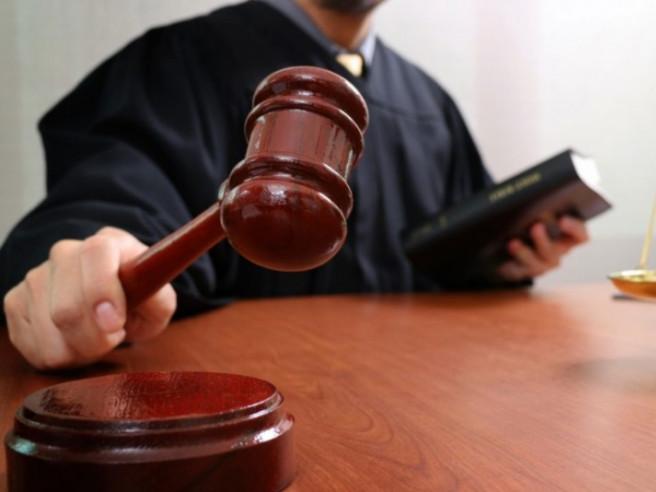 Чоловіку, який намагався дати хабар патрульним у Луцьку, присудили три роки тюрми