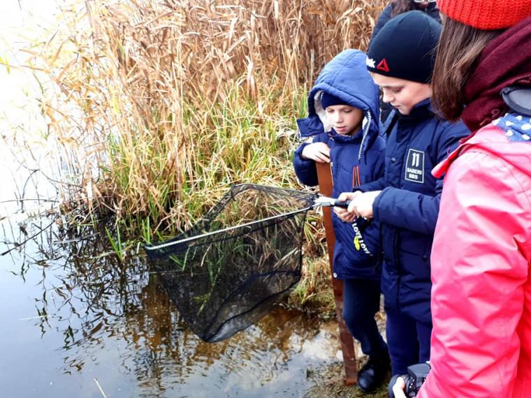 Волинські школярі досліджують річку в Білорусі