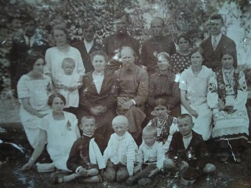 Родина священиків Осницького та Зінкевичів