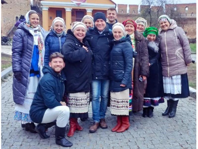 Схід та Захід разом: зустріч аматорських колективів з Ківерець та Волновахи