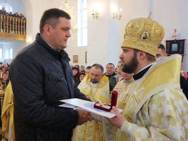 На освяченні храму в Гощі  нардепу вручили орден