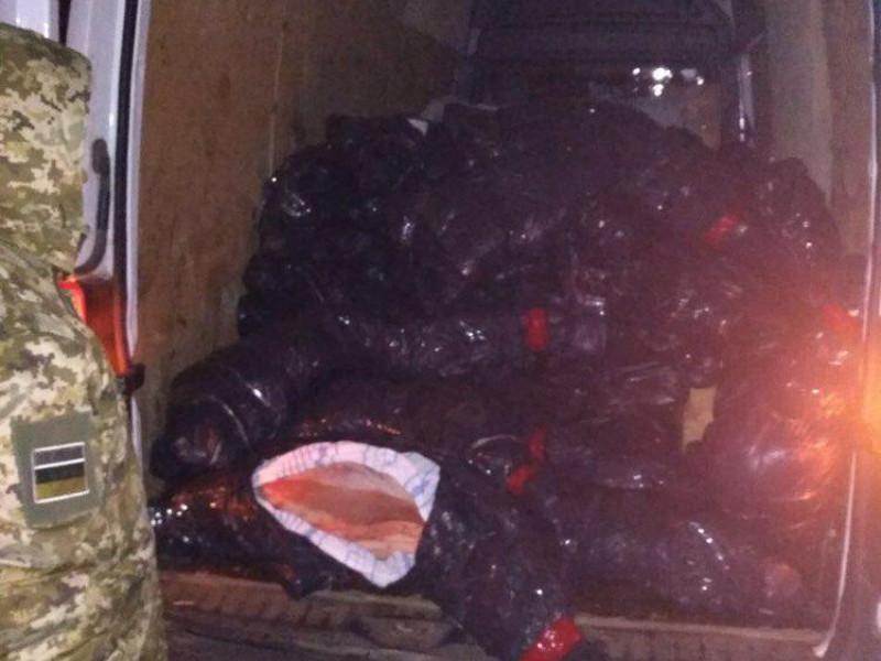 На Ковельщині затримали мікроавтобус з телячими тушами, які переправляли до Білорусі