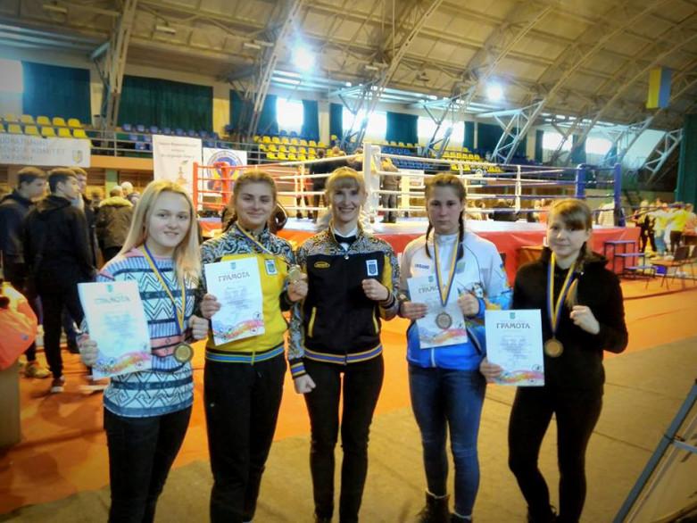 Волинські боксерки привезли комплект нагород з Чемпіонату України