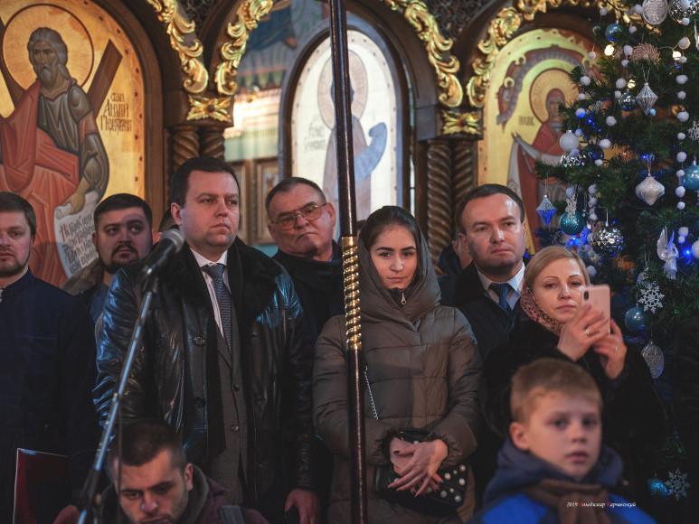 Віталій Ундір та Олександр Корнійчук під час подячного молебню