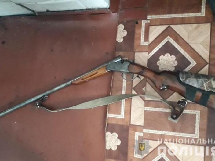 У жителів Ратнівського району вилучили зброю і наркотики