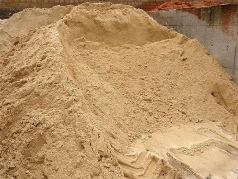 Радошин: у селі продають пісок без дозволів і ліцензій