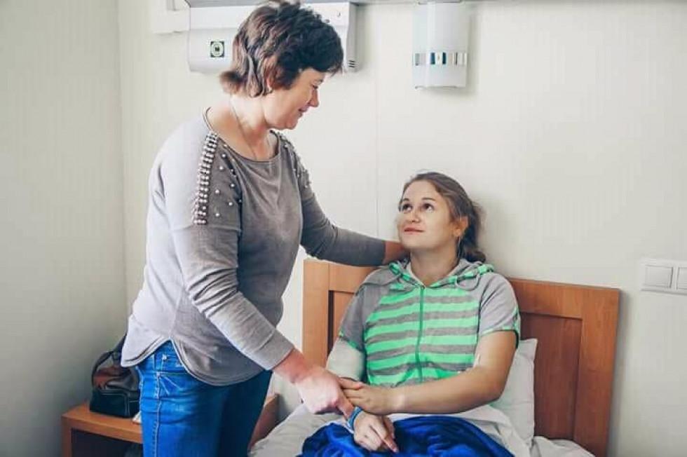Оля Клімчук з мамою Валентиною в клініці Medicover