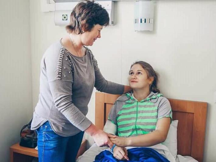 Оля з мамою Валентиною