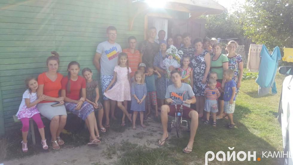 Щодня імена кожного із своїх дітей та онуків бабуся промовляє в молитві до Господа