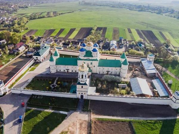 Троїцький Межиріцький чоловічий монастир УПЦ (Острозький район)