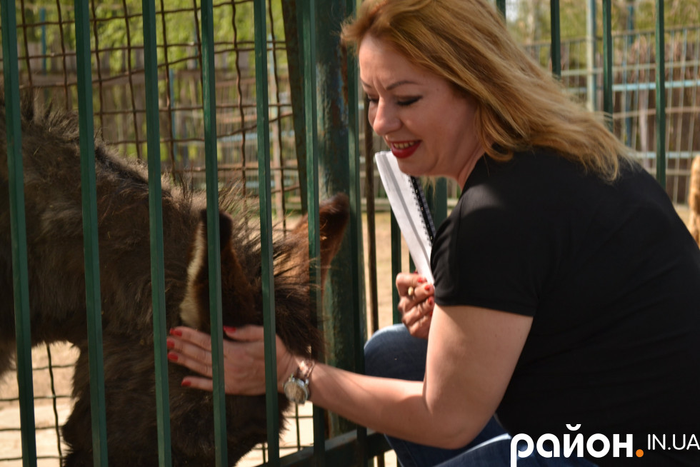 Людмила Денисенко більшу половину свого життя провела в зоопарку