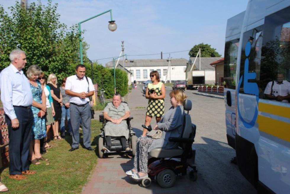 Перший день роботи соціального таксі у Любешівській громаді