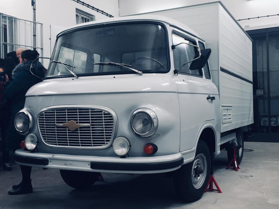 Білий фургон, на якому привозили жертв до тюрми Штазі