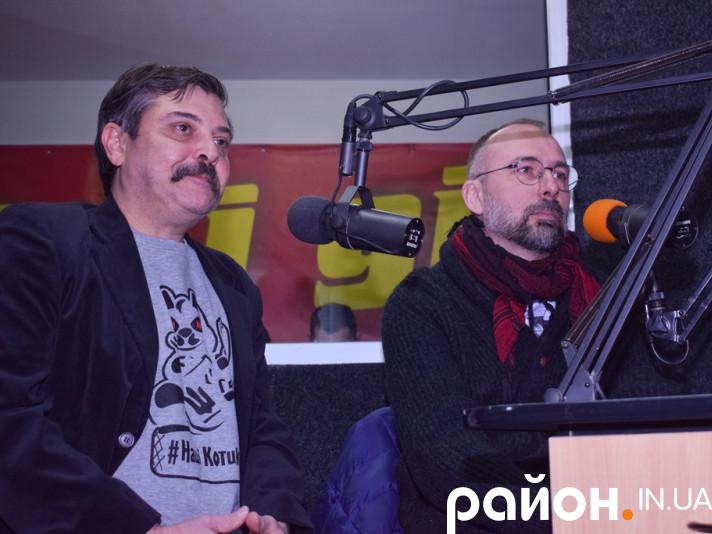 Степан Бандера та Ігор Савиченко (зліва направо)